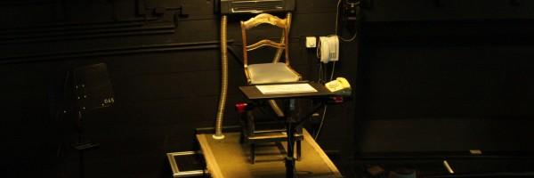 Dans la fosse d'orchestre :  la chaise du maestro !